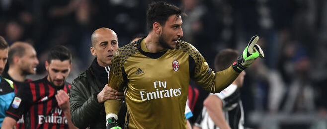 Manchester United, Manchester City and Chelsea all interested in Milan keeper