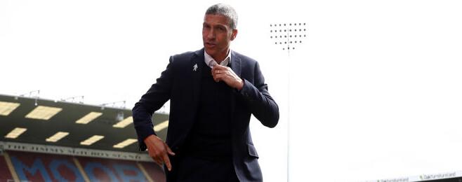 Brighton boss extends AMEX stay