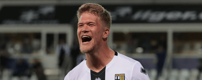 Parma ace pips PSG star to player of the week award