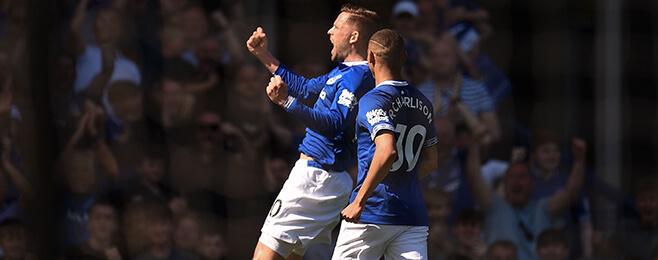 Everton gatecrash top-10 team form rankings after Manchester United demolition