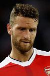 Arsenal target new centre-back
